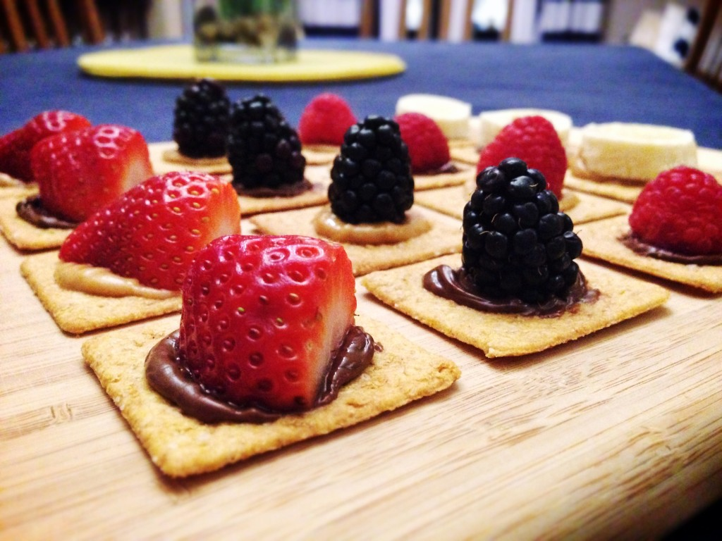Sweet Fruit and Cracker Bites